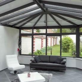 Votre veranda en aluminium posée par nos équipes certifiées RGE.