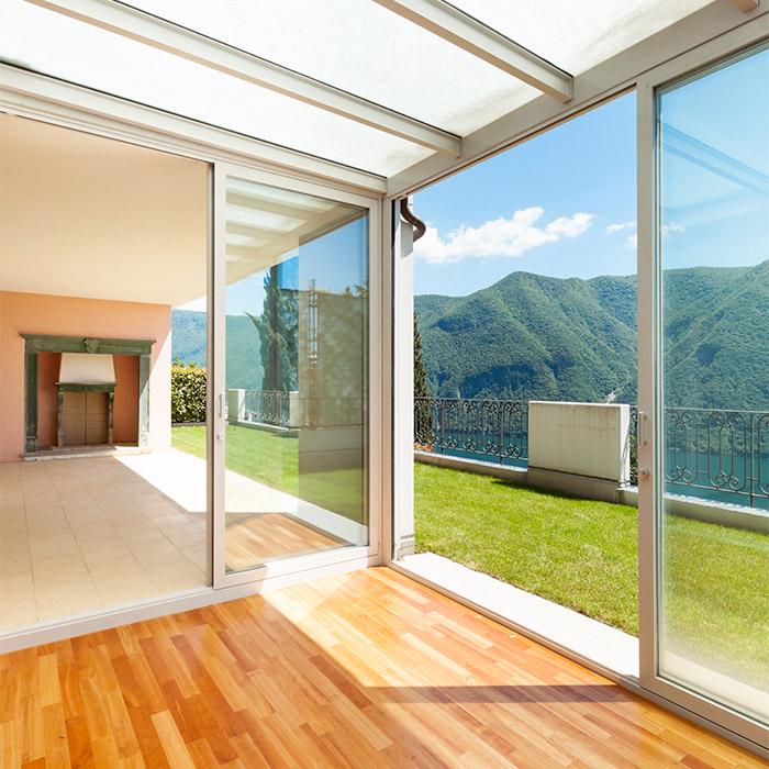 Une Véranda ou une Pergola pour agrandir la surface habitable de votre maison !
