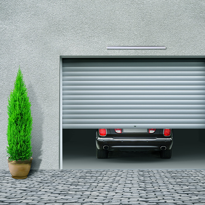 Votre porte de garage enroulable posée par nos techniciens, pour un résultat professionnel.